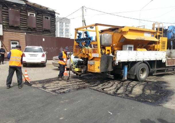 В Иркутске хотят отремонтировать 33 участка магистральных улиц